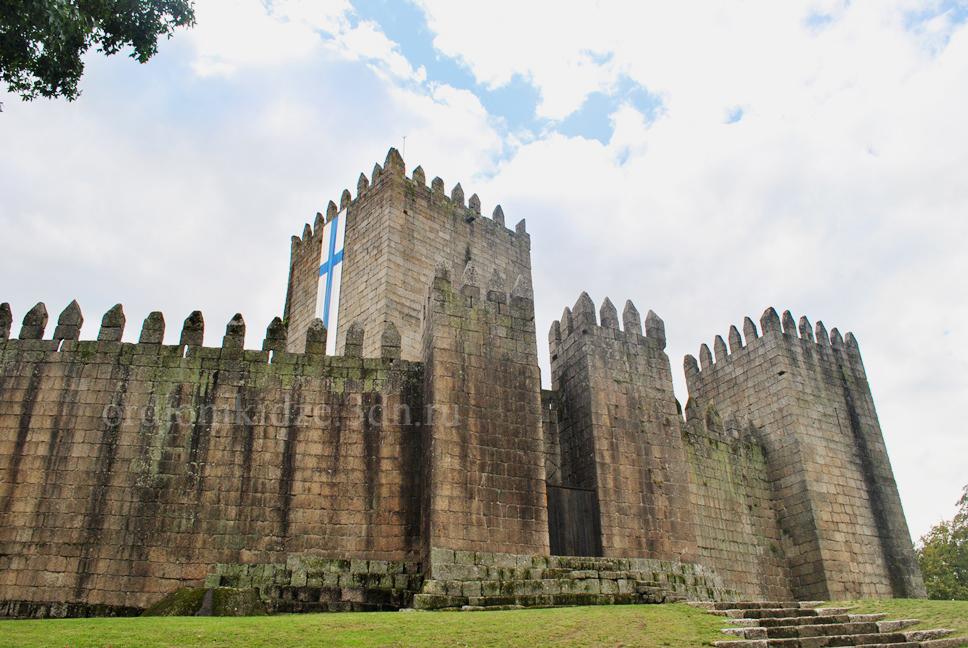 Замок Гимарайнш Guimarães Португалия самостоятельно отзыв сайта Орджоникидзе фото отдых путешествия Орджо