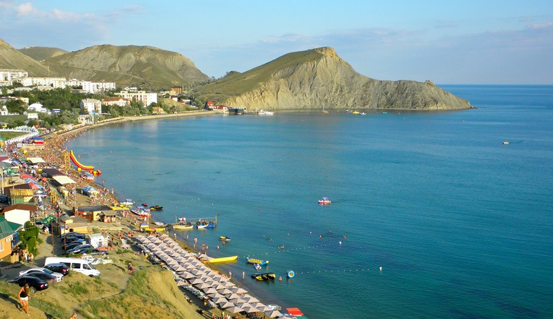 Центральный пляж Орджоникидзе Крым